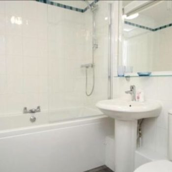 Riverside 5 Elm Court Bathroom keswick