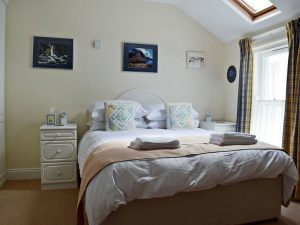 9 Greta Grove House keswick King size bedroom